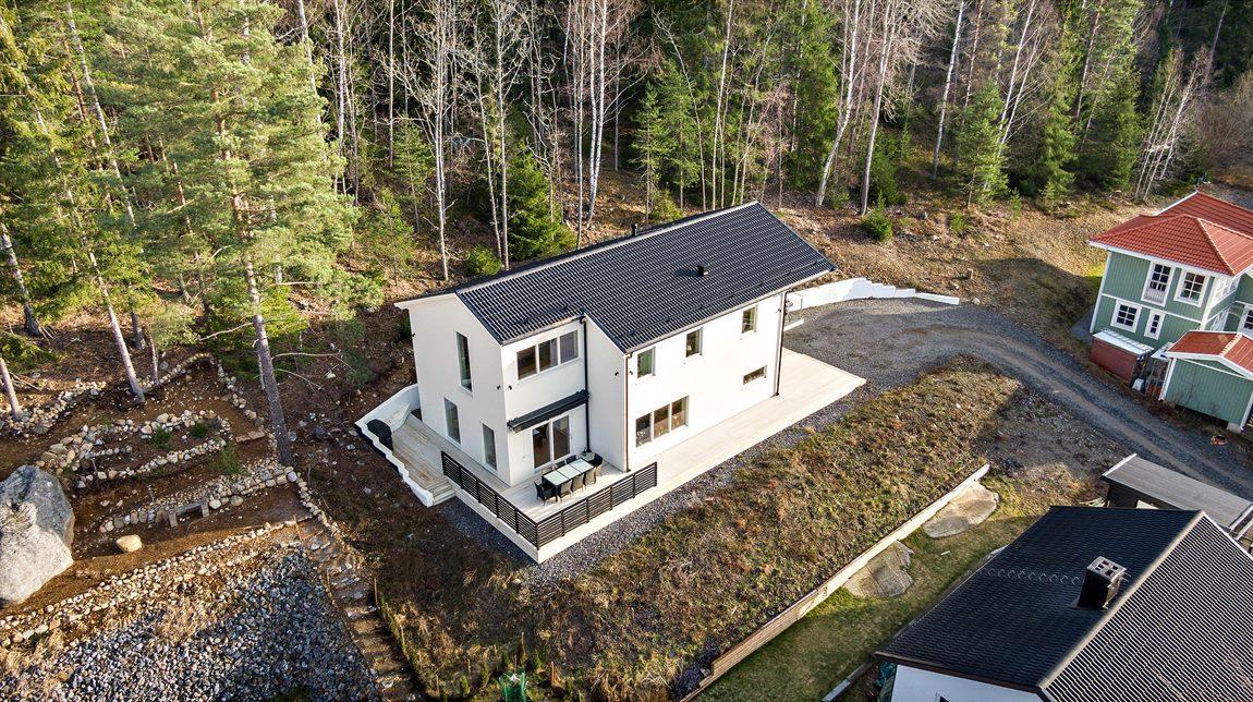 Den stilrena villan uppfördes 2017